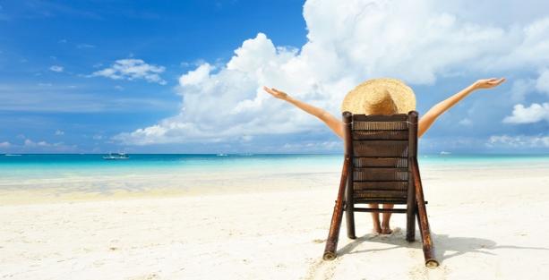 Vacances à la plage : protéger ses cheveux du soleil et de l'eau de mer